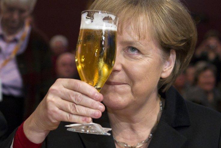 Merkel i festlig lag